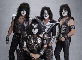 Kiss anuncia novas datas de show no Brasil por causa do coronavírus