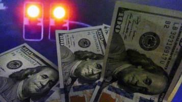 Dólar supera R$ 5,30 com saída de estrangeiros em meio a ataques de Bolsonaro