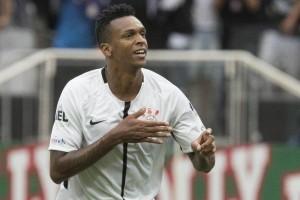 Andrés Sanchez afirma que Corinthians pode ter o retorno do atacante Jô