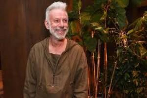 Cenógrafo e figurinista, Carlos Colabone morre aos 60 anos