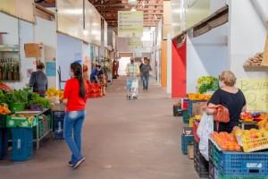 Comerciantes do mercadão recebem isenção de taxa de licença de funcionamento