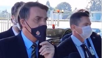 Depois de fazer piada com cloroquina, Bolsonaro lamenta mortes