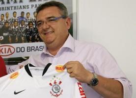 Eleições agitam os bastidores de Corinthians, Santos e São Paulo