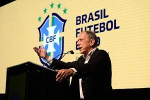 'Podemos pegar algumas datas de 2021 para jogar o Brasileiro', diz Walter Feldman