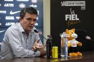 Andrés vai participar da política do Corinthians e volta a usar rede social