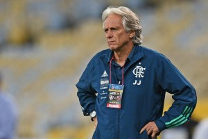 Jorge Jesus diz que deixa o Flamengo com 'eterna gratidão' e 'sem cicatrizes'