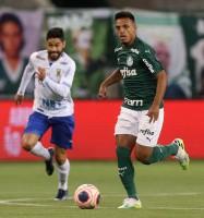 Palmeiras sofre contra o Santo André, mas marca no fim e vai à semi do Paulistão