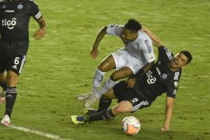 Com um a mais na Vila, Santos fica no 0 a 0 com Olimpia em volta da Libertadores