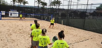 Itatiba E.C. sedia evento de beach tennis com a experiente Flávia Muniz