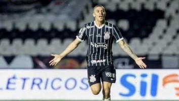 Mantuan festeja o primeiro gol pelo Corinthians: 'É um sentimento inexplicável'