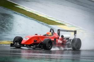 Piloto campineiro disputa 4ª etapa do Paulista de Automobilismo com um Fórmula 3