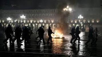 Restrições na Itália provocam protestos