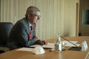 Em Tóquio, Bach diz que COI espera que envolvidos sejam vacinados antes dos Jogos