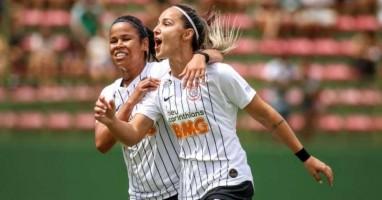 Corinthians feminino faz 8ª final seguida com intensidade 'treinada' e rotação