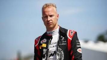 Piloto da Haas em 2021, Nikita Mazepin é acusado de assédio; time condena atitude