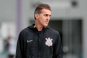 Após 5 a 0, Mancini diz que Corinthians e Palmeiras 'chegam iguais' ao clássico