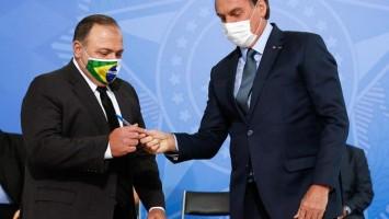 Distribuição de vacinas pelo governo Bolsonaro começa com atraso