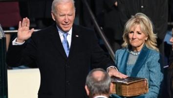 Joe Biden faz juramento e é empossado como 46º presidente dos EUA