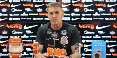Mancini diz que goleada 'dói', mas mantém foco na briga por vaga na Libertadores