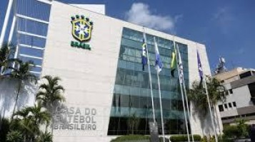 CBF defende protocolos adotados e decide pela permanência do futebol no Brasil