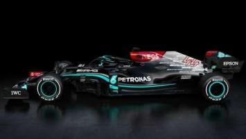 Com cor preta e detalhes em prata, Mercedes apresenta carro para temporada 2021