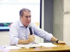 FNP cria consórcio para comprar vacinas; governo não dá segurança, diz Donizette