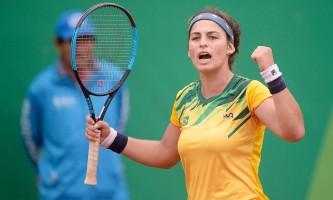 Na Argentina, Carol Meligeni encara japonesa por seu maior título na carreira