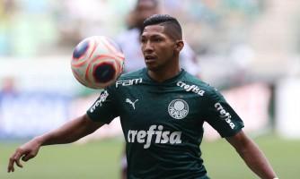 Palmeiras consegue vitória na CAS e livra atacante Rony de punição na Fifa