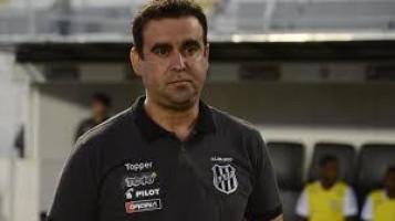 Técnico da Ponte Preta defende paralisação do futebol por causa da pandemia