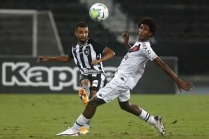 Vasco tenta ganhar 1ª na temporada diante do Botafogo, que defende série invicta
