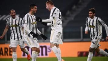 Juventus derrota o Genoa e segue na cola do vice-líder Milan no Italiano