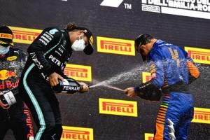 Max Verstappen vence corrida caótica em Ímola e dá o troco em Lewis Hamilton