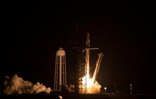 Nasa e SpaceX enviam quatro astronautas à Estação Espacial nesta sexta-feira