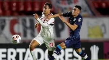 Com reservas, São Paulo cai diante do Racing e deixa de confirmar classificação