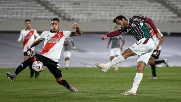 Fluminense sobra, vence o River na Argentina e avança às oitavas em 1º do grupo