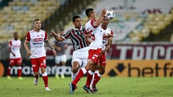 Fluminense vira sobre Santa Fe e fica a um ponto das oitavas da Libertadores