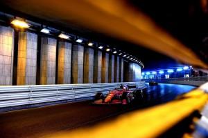 Hamilton admite surpresa com ritmo 'muito forte' da Ferrari em Mônaco