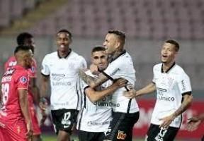Luan volta a brilhar e Corinthians vence a primeira na Copa Sul-Americana