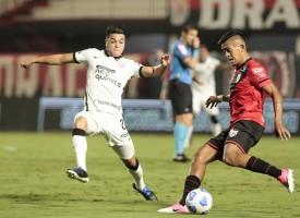 Atlético-GO segura empate e elimina Corinthians na Copa do Brasil