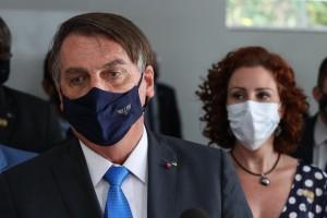 """Bolsonaro diz que estar até agora à frente do governo é """"milagre"""""""