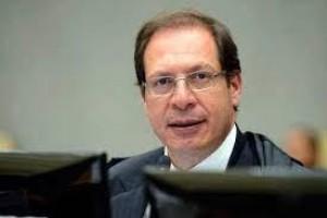 Corregedor do TSE manda Bolsonaro explicar declarações sobre fraudes nas eleições