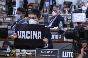 CPI da Covid aprova lista de investigados divulgada por Renan