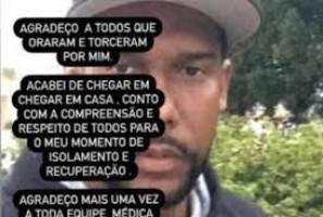 Ex-goleiro Aranha recebe alta após ficar 10 dias internado com covid-19