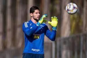 Guarani contrata goleiro Lucas França, reserva de Fábio no Cruzeiro