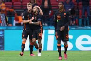Holanda vence e segue 100% na Eurocopa; Áustria avança e pega Itália nas oitavas