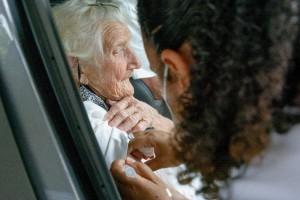 Itatiba recebe 1,2 mil doses da Pfizer; vacinação no sábado ocorreu em nove unidades