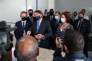 Membros da CPI da Covid criticam ataque de Bolsonaro a jornalista