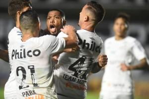 Santos vence na Vila Belmiro e São Paulo segue sem vencer no Brasileirão