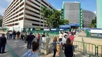 São Paulo tem filas nos postos de saúde para incluir nome na 'xepa da vacina'