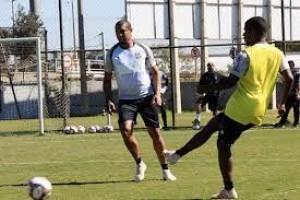 Ponte Preta tem reunião com torcida antes de jogo contra o Goiás pela Série B